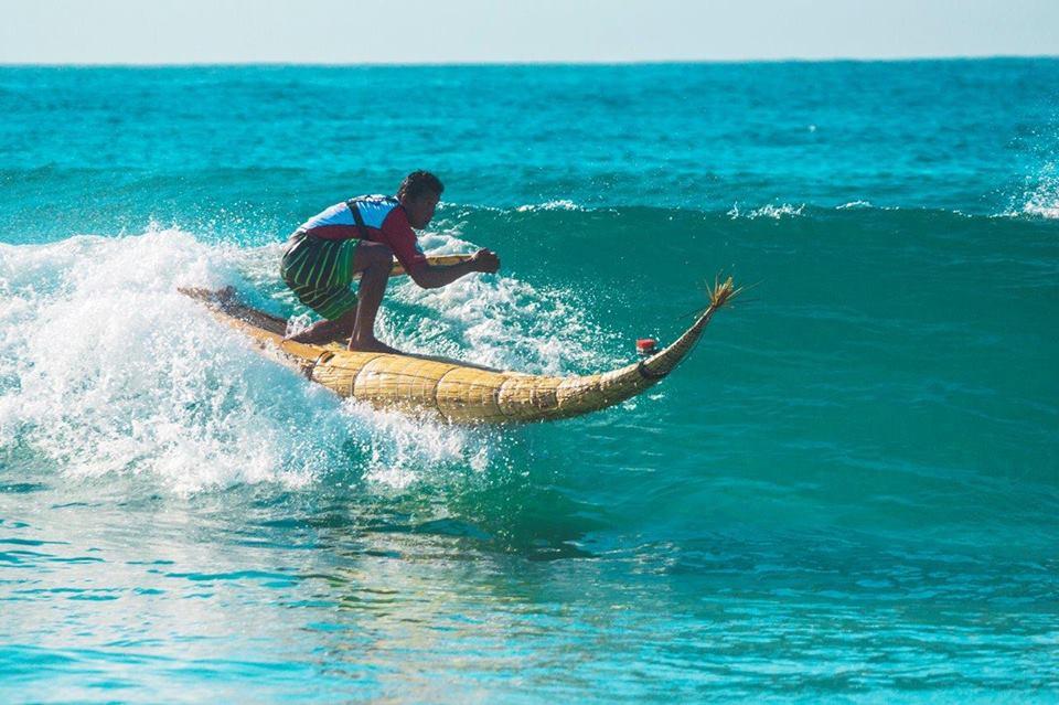 Caballito_surf_huanchaco